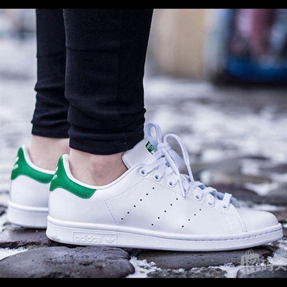 Adidas zapatos kids unisex originales Stan Smith poshmark